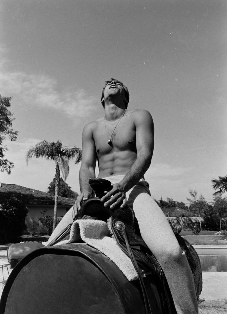 ...with the tragic, beautiful Sean Flynn  POSTED BY TJB AT 8:00 AM  LABELS: 1960S, HUNK, SEAN FLYNN