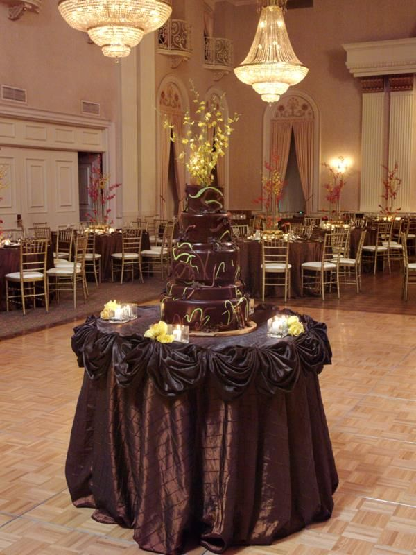 wedding cake table linens chocolate delights amp wedding cake bbj linen wedding 26193