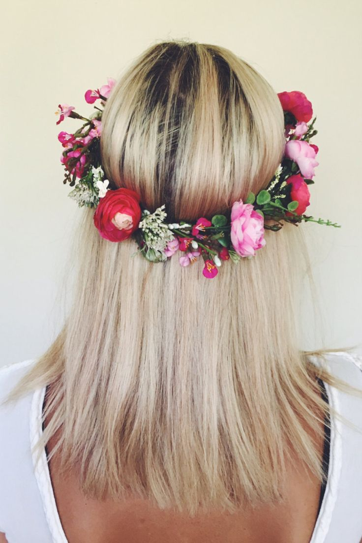 Bring to life any hairdo with a floral halo.