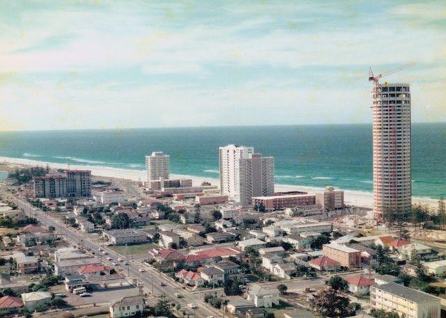 Surfers Paradise, 1975