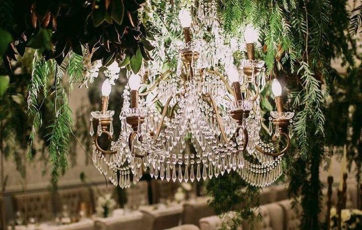 Hiasan Lampu Gantung Cantik Buat Dekorasi Pernikahan