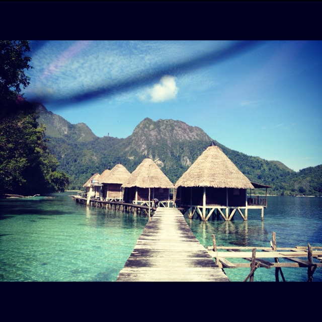 Ora Beach, Ambon, Maluku, East Indonesia. Enjoy my friend! All the best. Vergeet niet een kaartje te sturen! ;)
