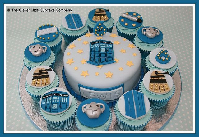 Dr Who cutting cake and matching cupcakes    Devils food cake with choc buttercream and 12 vanilla cupcakes.