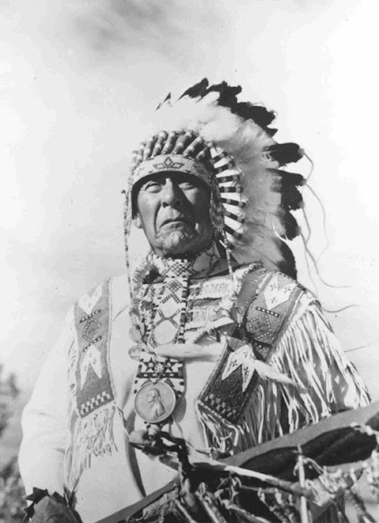 Blackfeet (Pikuni) man - no date
