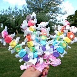 COOL idea for a kids party!!  ...and so EASY!