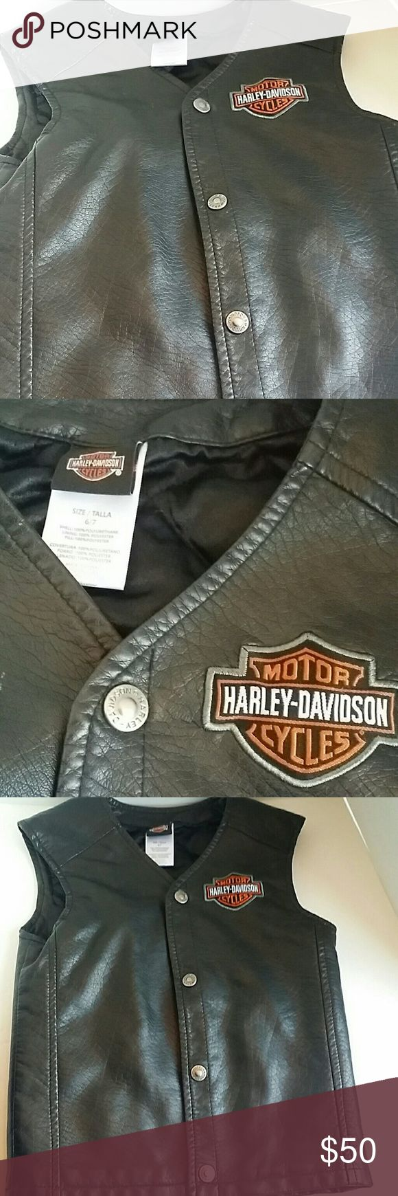 Harley Davidson Vest Almost new. A gift for my son but was too small. He wore couple of times. Almost brand new. Harley-Davidson Jackets & Coats Vests