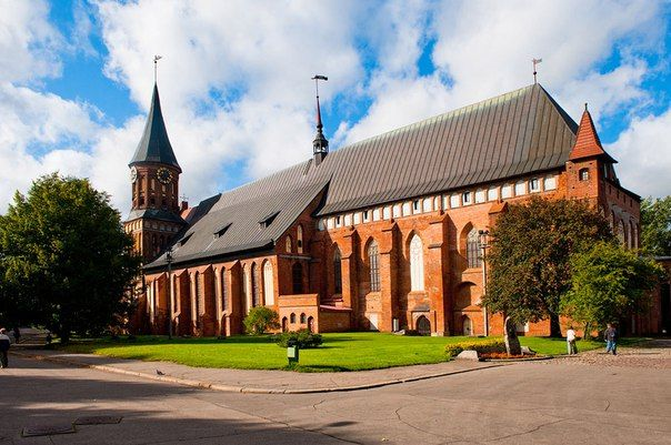 Кафедральный собор Кенигсберга для Калининграда имеет, наверное, такое же историческое значение, что и Кремль для Москвы. <br>По сути, Кафедральный собор — это визитная карточка Калининграда, важнейшая и древнейшая достопримечательность города.