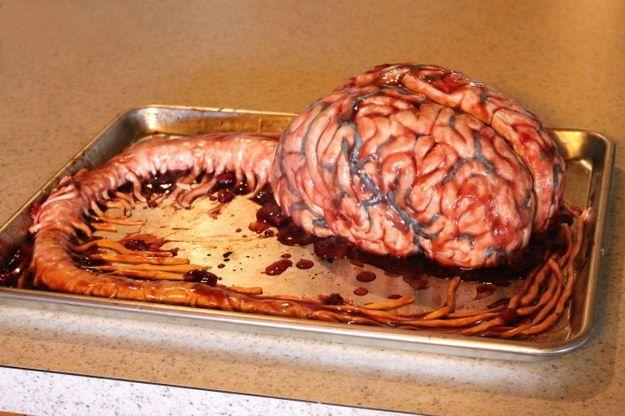 Ses gâteaux sont entièrement comestibles, comme celui-ci en forme de cerveau.