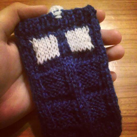 #tardis #phonecase #etsy #handmadephonecase #handmade #knitting #knittedphonecase #doctorwho #dw #whovian #nerd #geek #fanart #doctorwhofanart https://www.etsy.com/listing/455333866/tardis-phone-case?ref=shop_home_active_2 #tardisphonecase