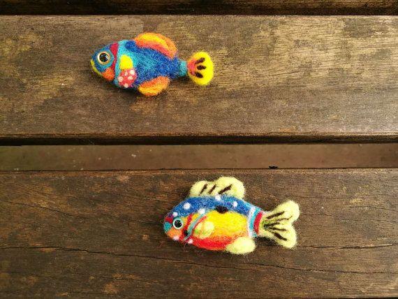 Naald vilten tropische vis broche, vilten sieraden, handgemaakte naald vilten handgemaakte kerst ornament, vis, vis liefde cadeau