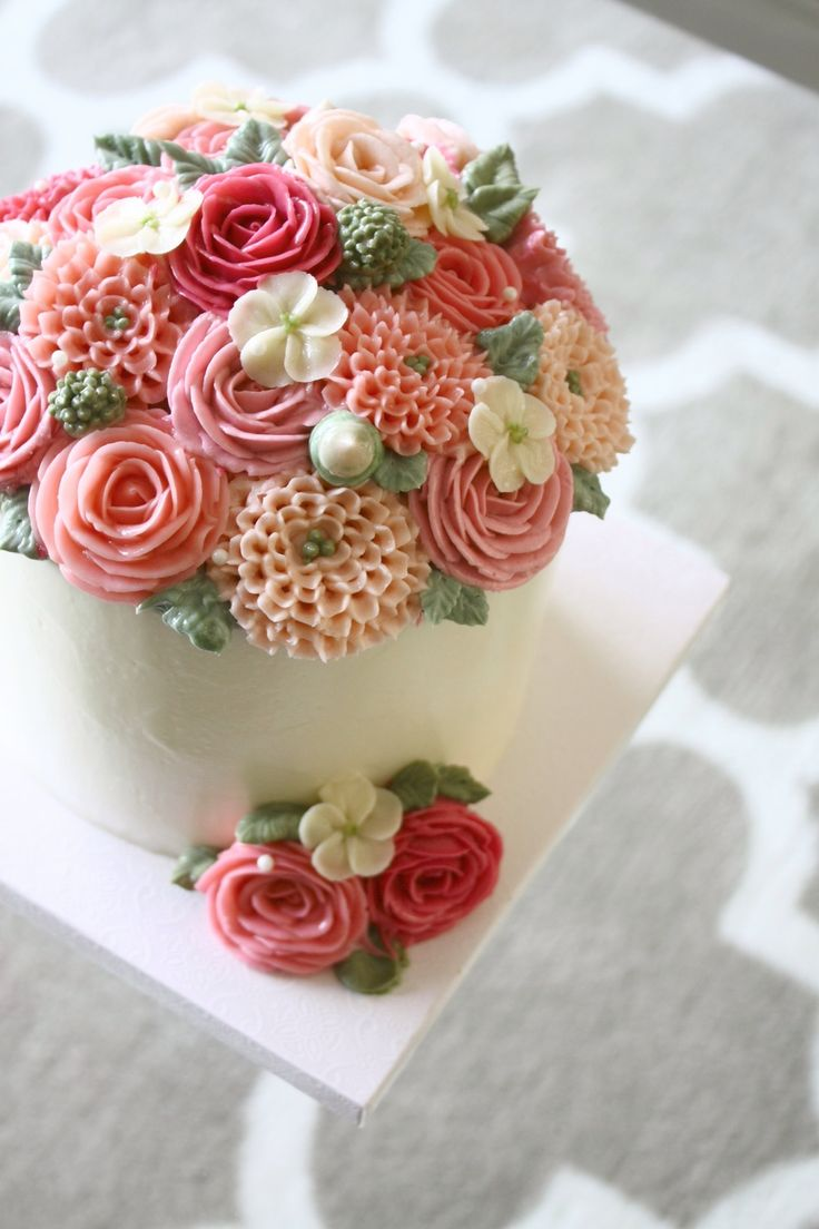 Pin cara menghias kue cake decorating cake on pinterest - Light Blue And Pink Buttercream Flower Cakes Love The Scroll Work On The Side Description