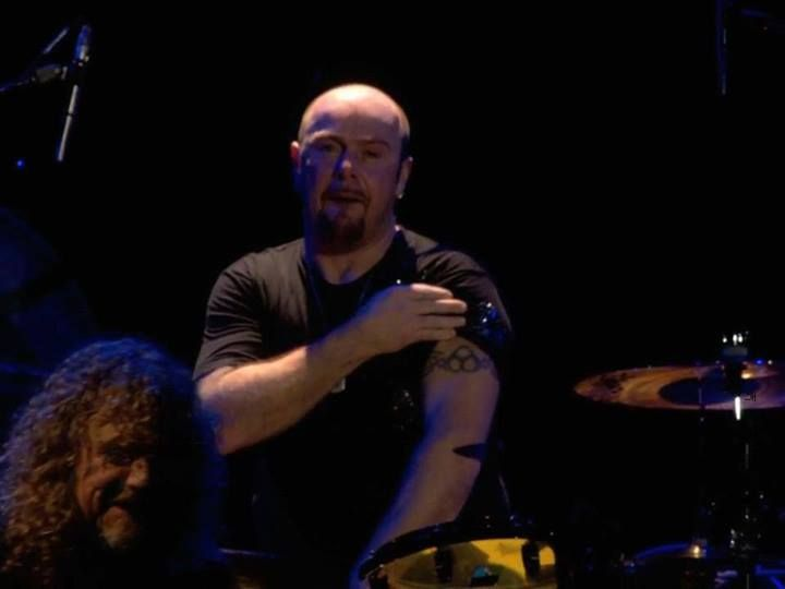 jason bonham with tattoo 39 s and robert plant o2 2007 led zeppelin stairway to heaven. Black Bedroom Furniture Sets. Home Design Ideas
