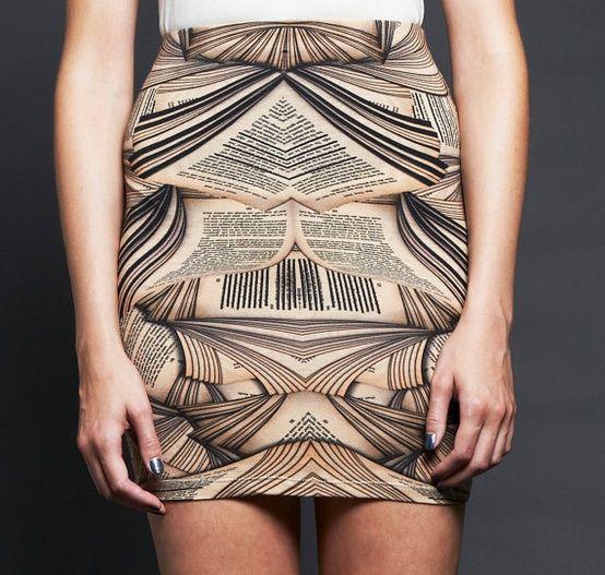 Bookworm skirt-- WANT!