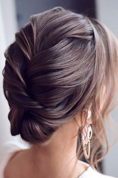 Elegant Updo #hairupdo #eleganthairstyles Explore trendy easy and cute homecoming hairstyles for medium length and for long hair. Updos half up half