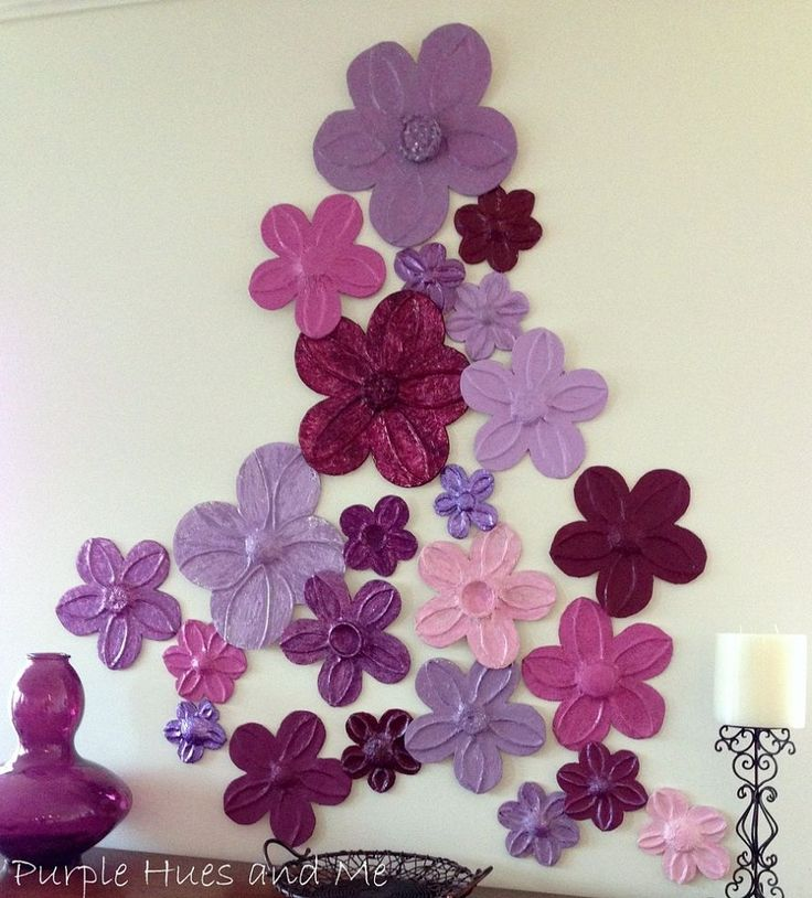 Foil flowers wall d cor diy love it jute and flower for Art and craft for wall decoration