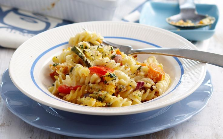 This easy vegetarian pasta bake recipe makes the perfect mid-week family dinner idea. Packed with healthy roasted vegetables, tasty cheese and crunchy, golden breadcrumbs, it's sure to be a hit.