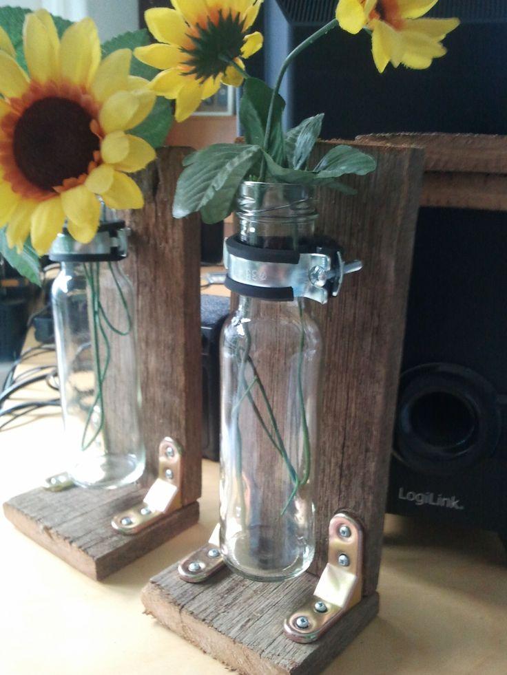 grillsaucen flaschen die mit schlauchschellen befestigt werden das holz stammt von alten und. Black Bedroom Furniture Sets. Home Design Ideas