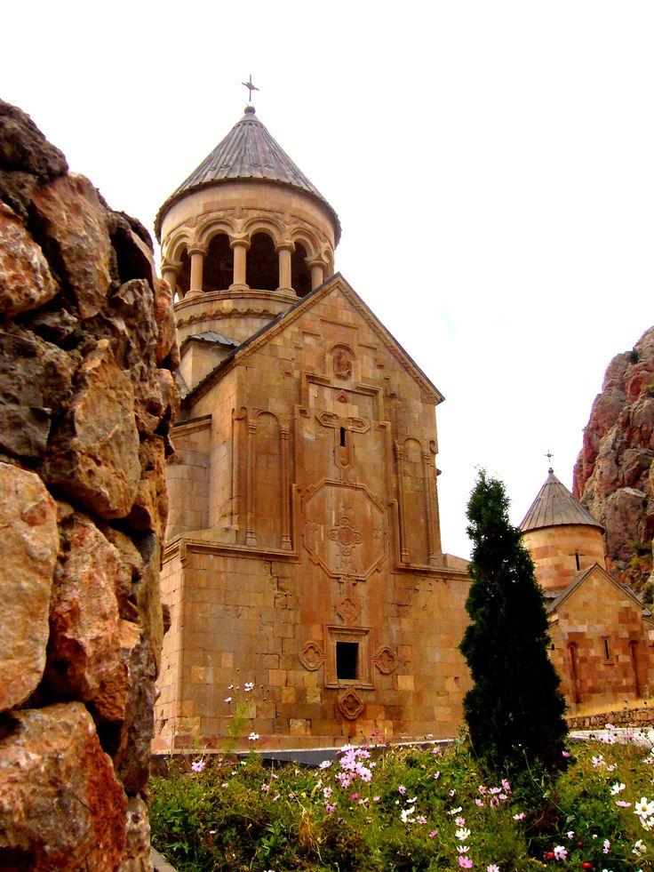 Туры в Нораванк Туры в Нораванк. Kомпания Armenian-Tourism предлагает, Туры в Армению в Нораванк. Туры на 1 день. Тур является однодневным, и в течение всего дня мы вам гарантируем полную информацию истории Нораванка Тел+7(965)088-77-55, Тел+374(55)21-11-25.
