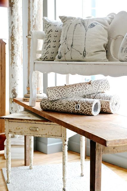 Find This Pin And More On Living Rooms Family Rooms Dens By Decoratedhouse