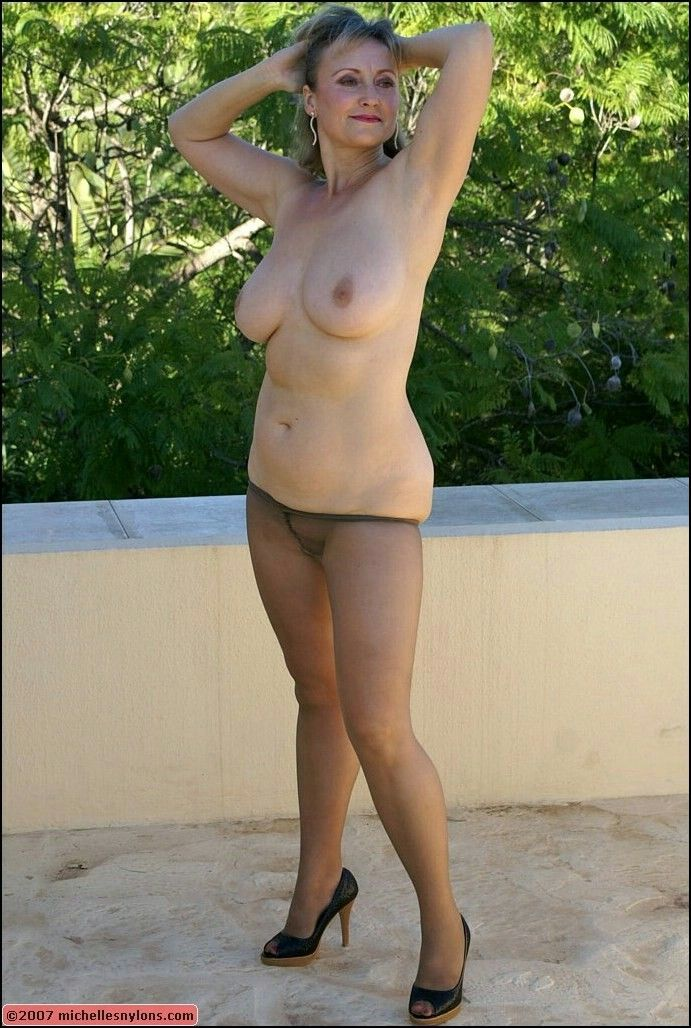 Mature nude granny galleries