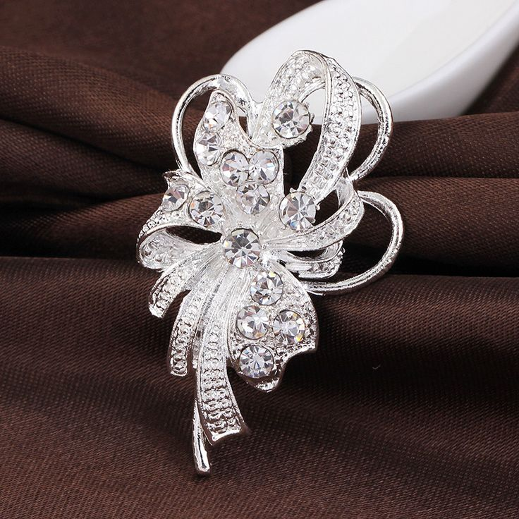 2017 fashion unique rhinestone brooch pins wedding accessories  pins and brooches for women vintage brooch jewelry danbihuabi