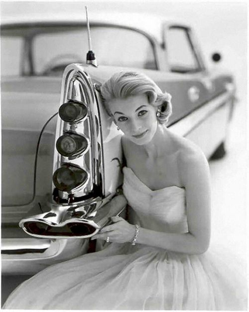 Model with a DeSoto, 1950s.: 1950S Style, Classic Cars, 1950Sstyle, Retro Cars, 50S Wedding, Wedding Cars, Beautiful Queen, Old Pictures, Fifty Fashion