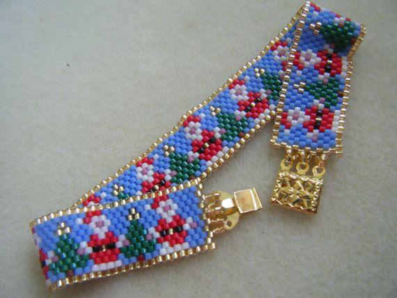 Santas & Trees Christmas Peyote bracelet by SMNDesigns on Etsy, $15.00