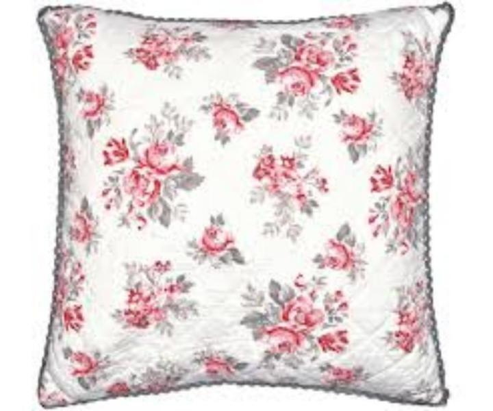 Neu - je 39,90 EuroGreenGate Kissenhülle - Quilted Cushion Cover Shirley White 50 x 50 cmwas für ein hübsches frisches Muster in zartem rosa mit einem Hauch grauSkandinavien pur einfach und frischnatürlich mit Reißverschlußwaschbar bei 30 Grad nicht trocknergeeignet