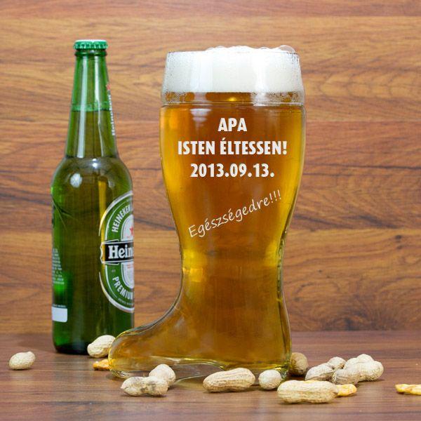 Valami igazi különlegességgel szeretné meglepni sörkedvelő családtagjait, barátait, ismerőseit? De hogy kerül a képbe a csizma? A válasz egyszerű. A díszes korsók, kupák, különböző formájú poharak mellett ebben szolgálták fel a sört hajdan. Nálunk személyessé téve egy igazán exkluzív ajándék lehet bármilyen alkalomra!