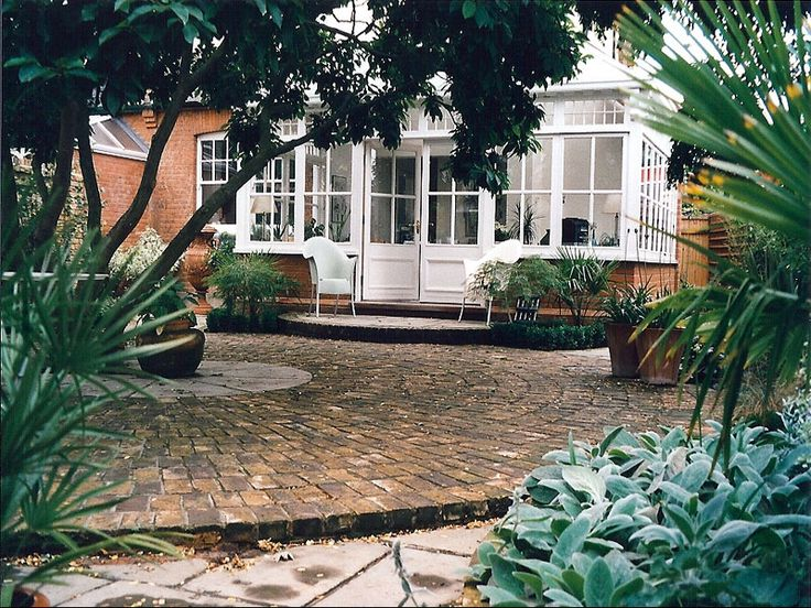17 best images about courtyard garden for donald on for Paved courtyard garden ideas