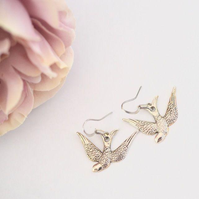 Antique Silver Bird earring Swooping Swallow Earring Gift Retro kitsch £3.50