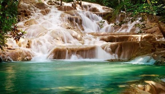 Dunn River falls, Jamaica  Justin and I had a blast here!!!!!: Dunn Rivers Fall Jamaica, Rivers Falls, Buckets Lists, Ocho Rio, Favorite Places, Bays Resorts, Places I D, Rivers T-Shirt, Awesome Places