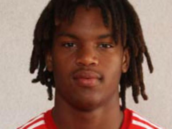 Benfica speler scoort met verwoestende uithaal