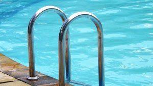 Kontraktor Waterpark: Tangga Stainless Kolam Renang