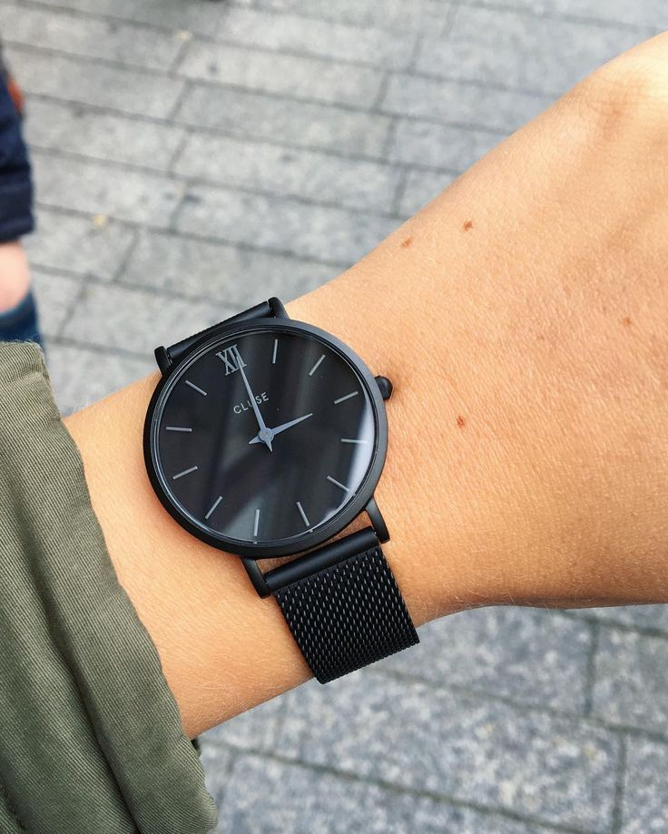 Nieuw horloge, so prettyyyy ⌚️ #cluse #clusewatches #clusewatch #clusehorloge #watch #horloge #koekwaus #zwarthorloge