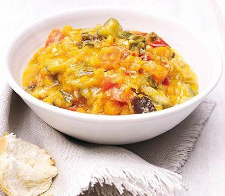 Ratatouille med sommergrønnsaker og basilikumolje oppskrift - CrockPot.no