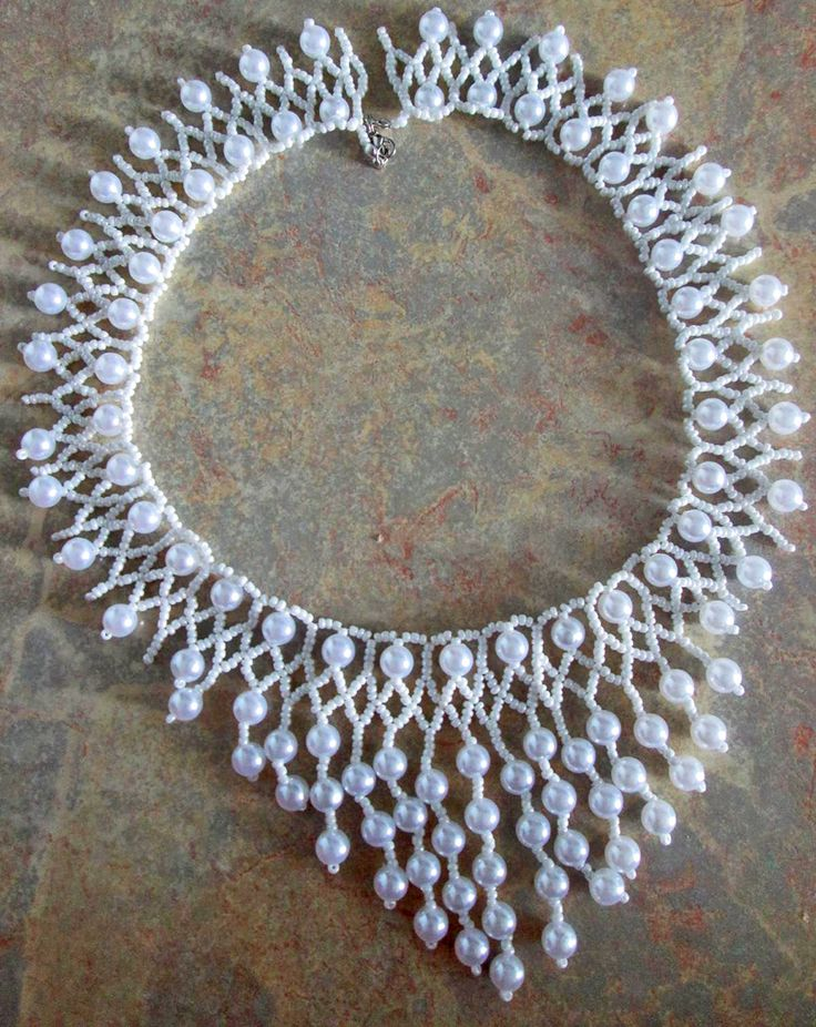 Free pattern for necklace Snowfall