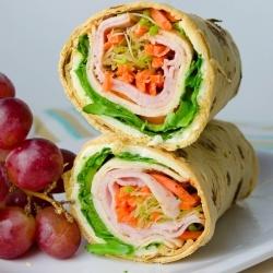 Ein köstliches und gesundes Lunch-Wrap, umso besser mit hellem Frischkäse …   – Things I love