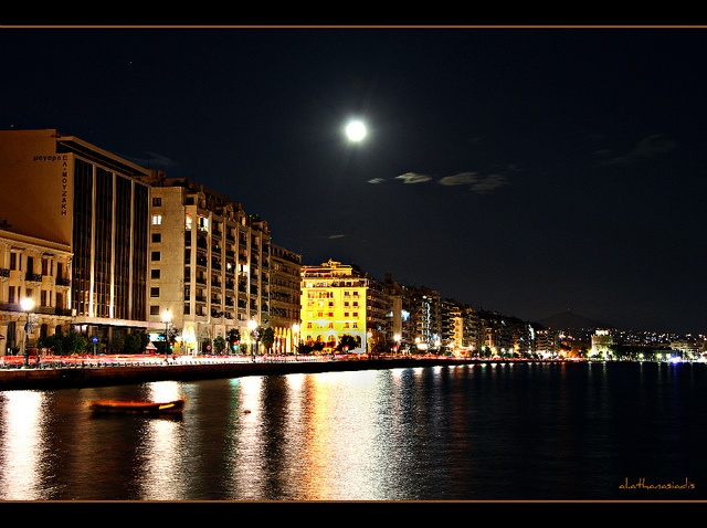 Thessaloniki under the moon, via Flickr.