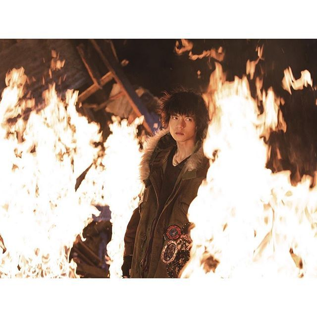『HiGH&LOW』窪田正孝の新場面写真!「RUDE BOYS」のリーダー・スモーキーは、無名街に生きる者たちを、血の繋がりがなくとも家族として大事に想う優しき心を持つ反面、その安全を脅かす者は徹底的に叩き潰す! #HiGH_LOW  #窪田正孝  #映画