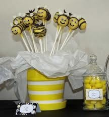 Bee pop cakes: Shower Ideas, Bees Baby Shower, Bee Cake Pops, Bees Parties, Bee Cakes, Parties Ideas, Bees Cakes Pop, Bumble Bees, Baby Shower