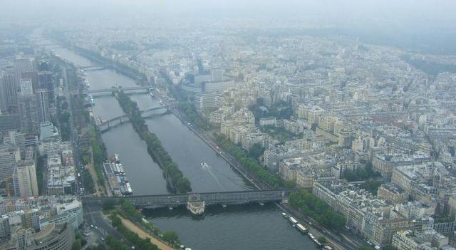 Peniche Tour Eiffel - #Apartments - $583 - #Hotels #France #Paris #15tharr http://www.justigo.org/hotels/france/paris/15th-arr/peniche-tour-eiffel_61292.html