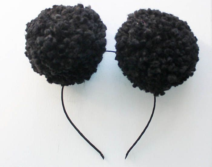Gina Michele: 5 Minute DIY Halloween Mouse/Panda Pom Pom Ears