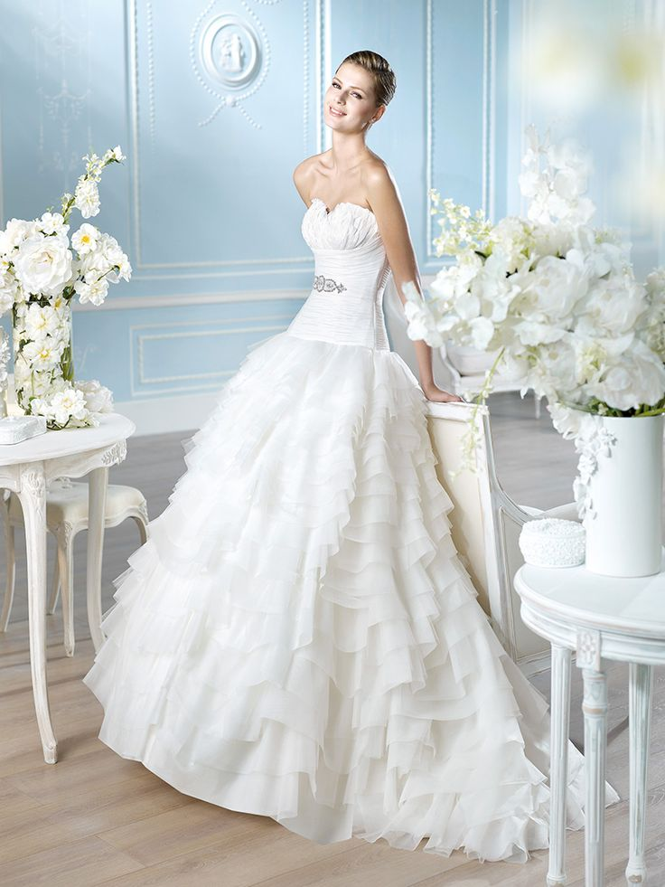 16 best Discontinued gowns images on Pinterest | Wedding frocks ...