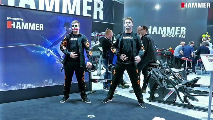 """Auch dieses Jahr hatten wir wieder tolle Unterstützung auf der ISPO Fitnessmesse. Die """"Supertalent"""" Finalisten Hybrids Crew zogen die Besucher in ihren Bann. Schaut euch das Video an :)  #dance #tanz #ispo #supertalent #fitness #messe #auftritt #hybridscrew #hammer #hammersport"""