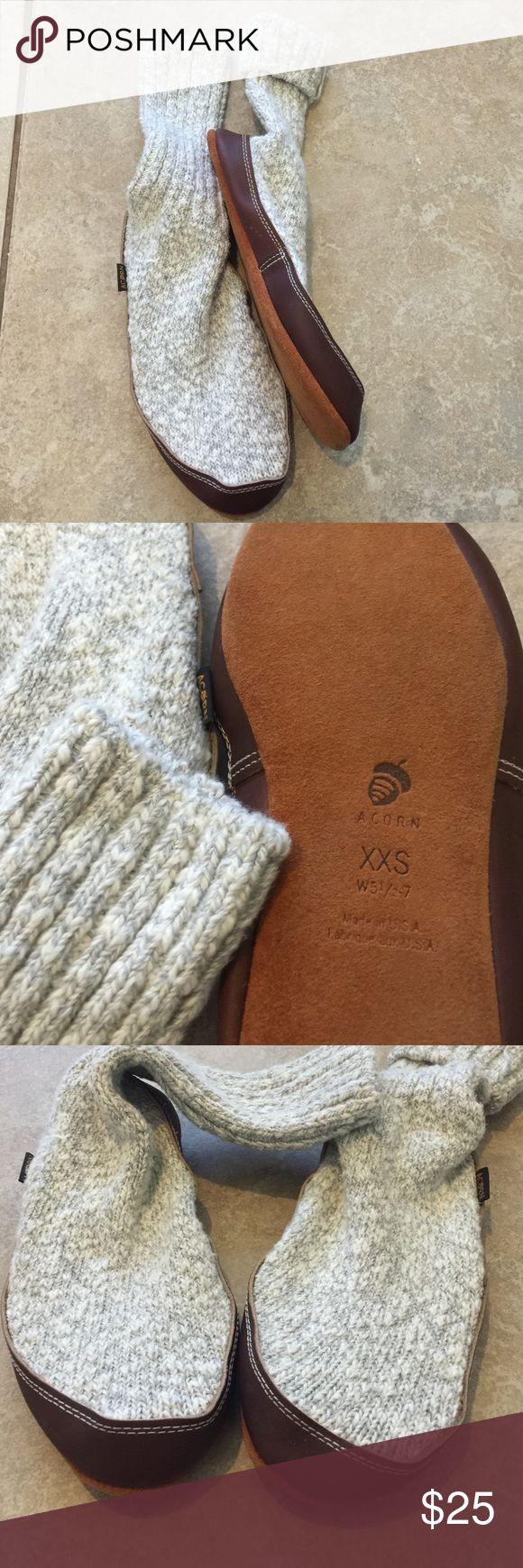 XXS Acorn leather Socks shoes 5 to 7 USA Worn once like new warm socks Acorn Shoes Flats & Loafers