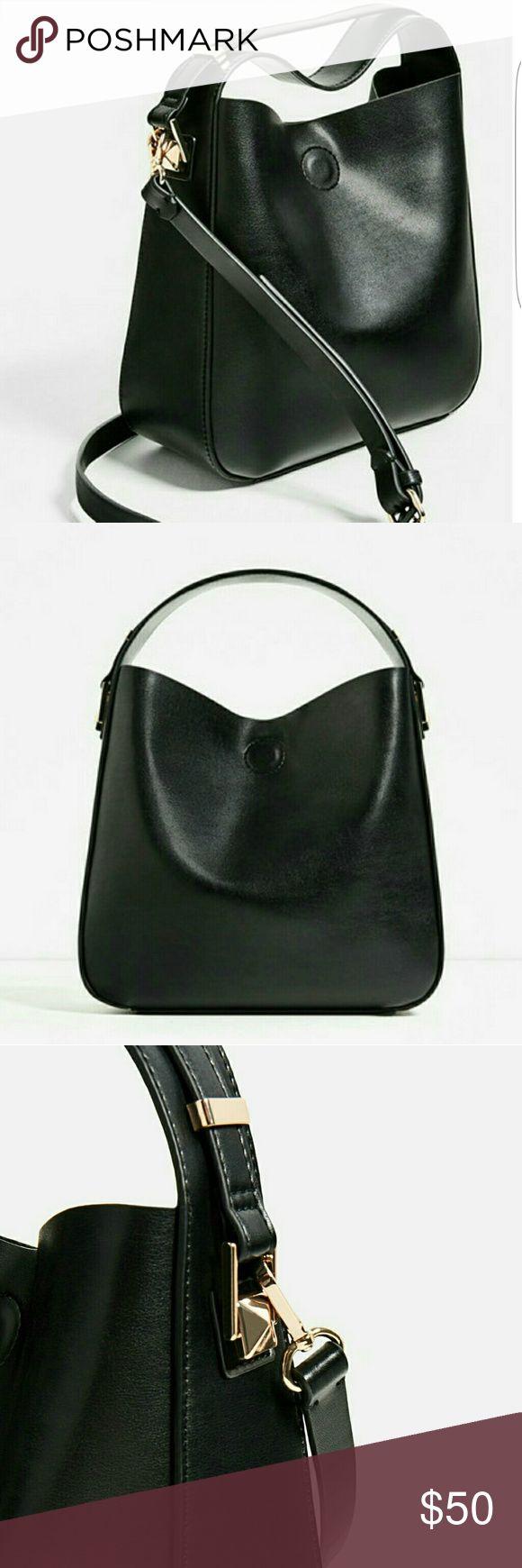 Zara *purse* Cute small zara purse... wear with or without strap... Zara Bags