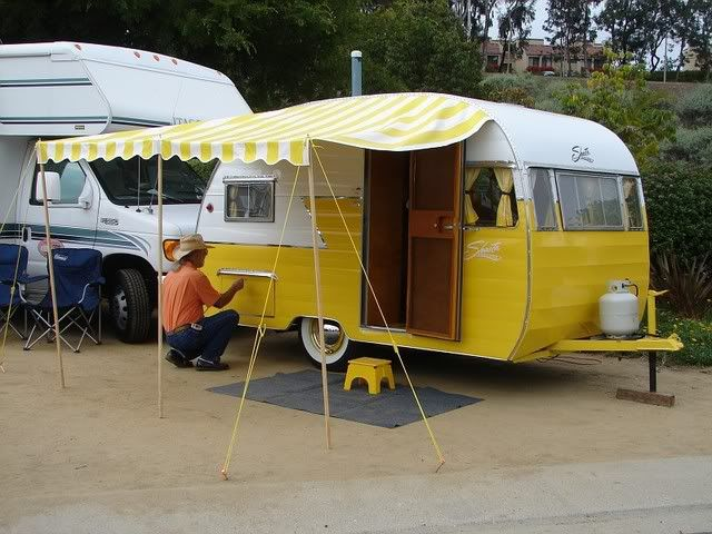1956 shasta likely from retro restoration sisters on the fly gypsy wagons cool campers. Black Bedroom Furniture Sets. Home Design Ideas