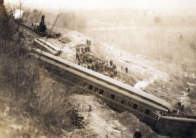 Train wreck off Stoney Creek mountain, January 1929