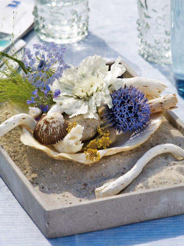 Sommerliche Blumen-Dekoration - blumen-dekoration-blau-021 //repinned by www.boksteen.de